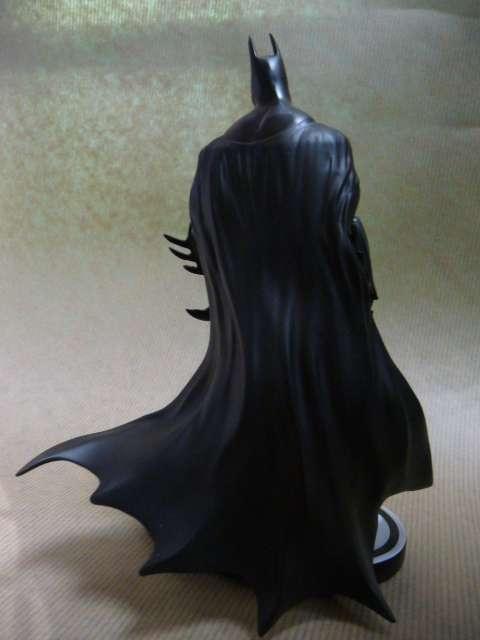 http://img847.imageshack.us/img847/7766/batman3.jpg
